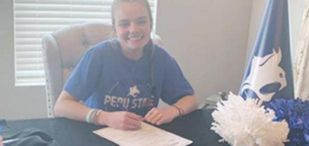 Peru State Cheer Team Signs McKenzie Ward; Papillion-La Vista Grad
