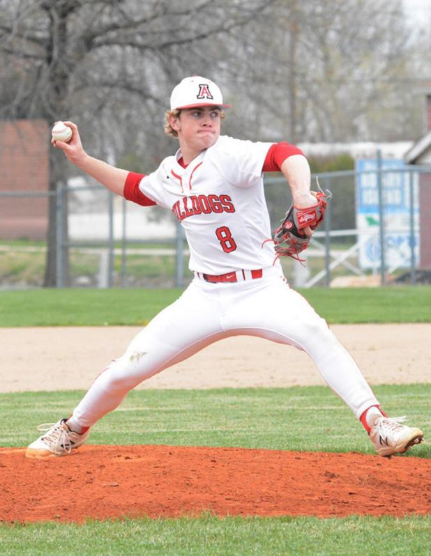 Bulldog Baseball Gains First Win on Travon Shaw's Three-Run Seventh Inning Homer